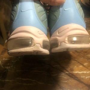Nike Shoes - EUC Light Green n Blue airmax size 13